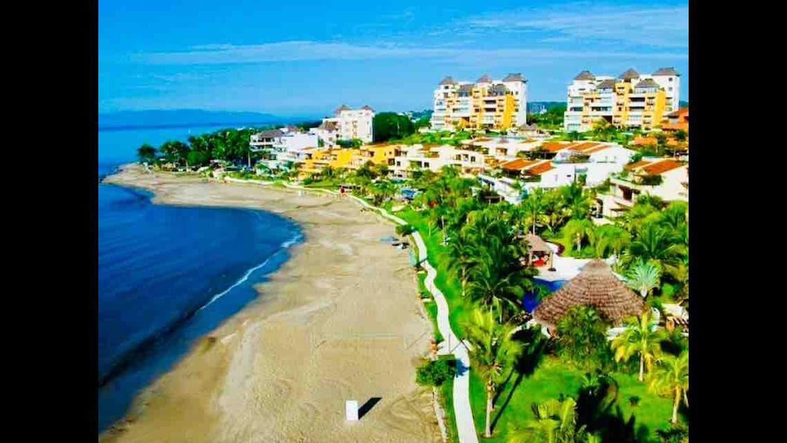 26 de 32: Playa de Punta Esmeralda