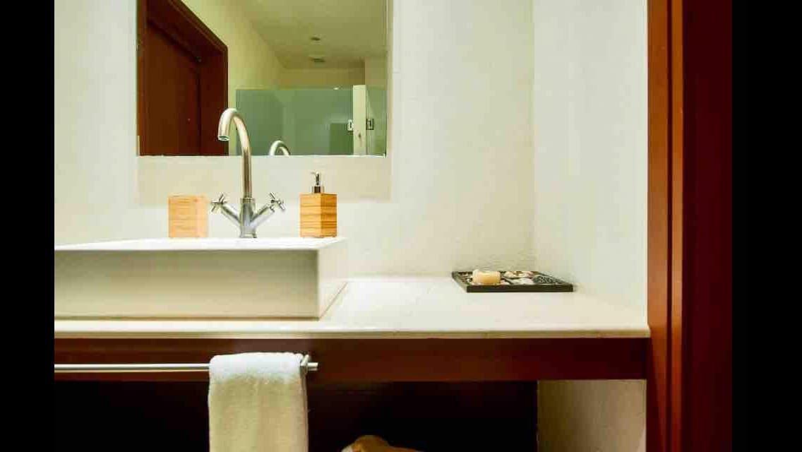 16 de 32: Baño cuarto de visitas