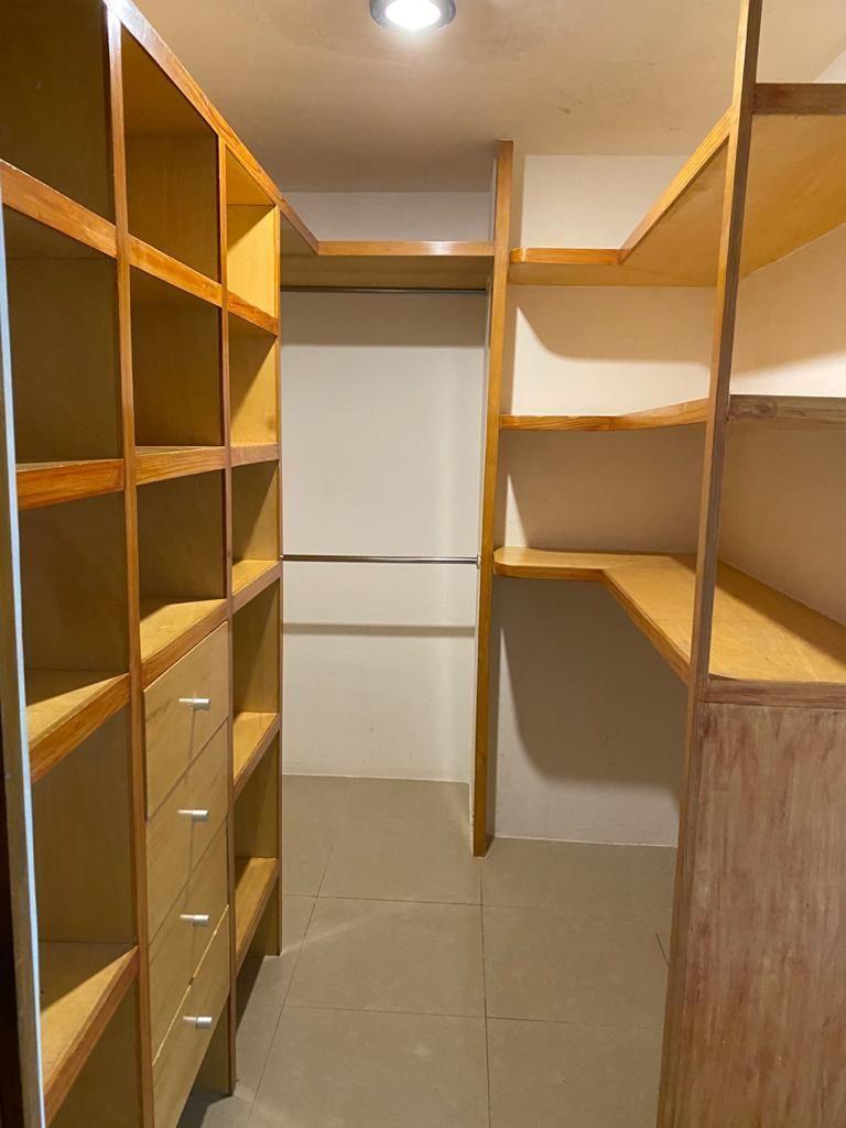 15 de 40: closet recamara principal