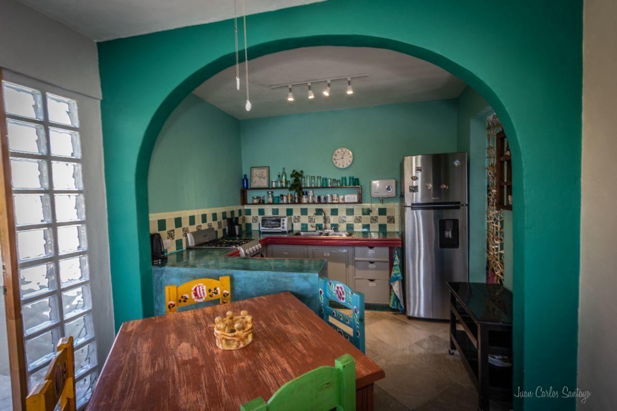 13 of 13: Cada cocina está equipada y tiene también cuarto de lavado