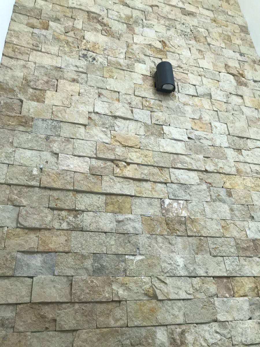 20 of 32: detalles de acabadops en piedra
