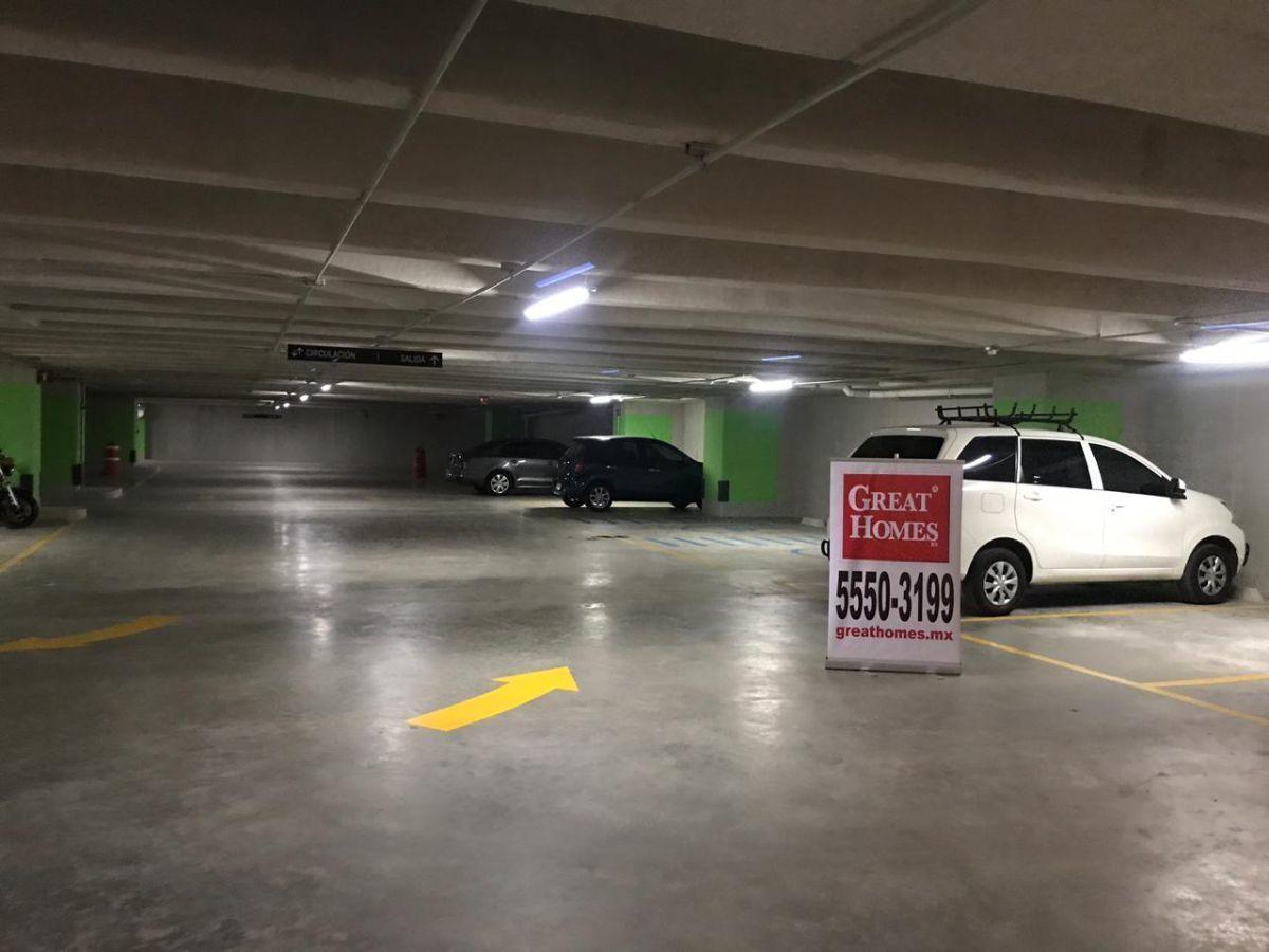 5 de 15: Estacionamiento