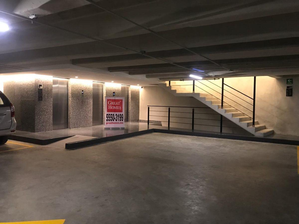 6 de 15: Acceso de elevadores de estacionamiento