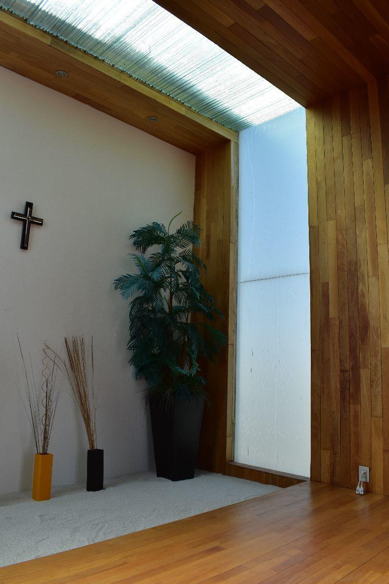 50 de 50: Salón de meditación