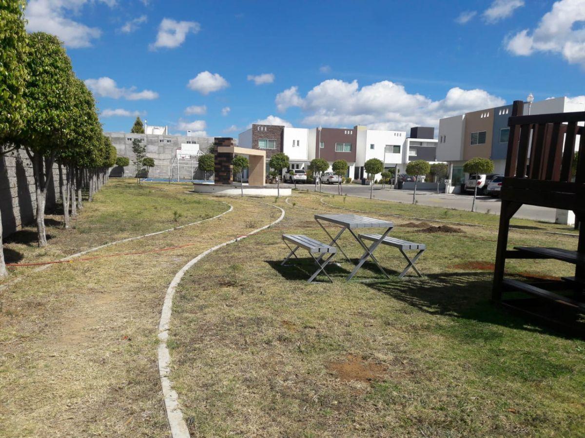 20 de 23: Área verde del fraccionamiento
