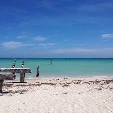 1 de 6: Hermosas playas de arena blanca y aguas cristalinas