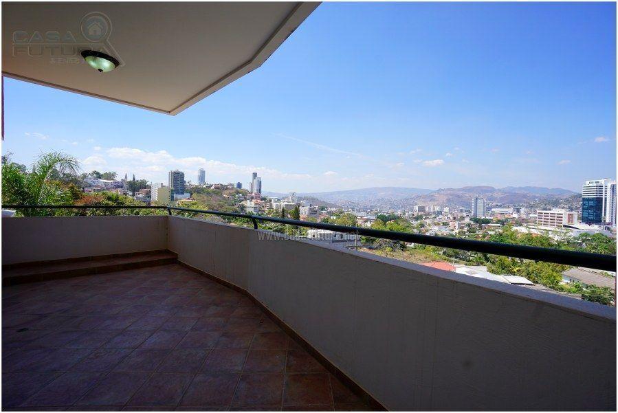 5 de 41: Linda vista a Tegucigalpa desde la sala