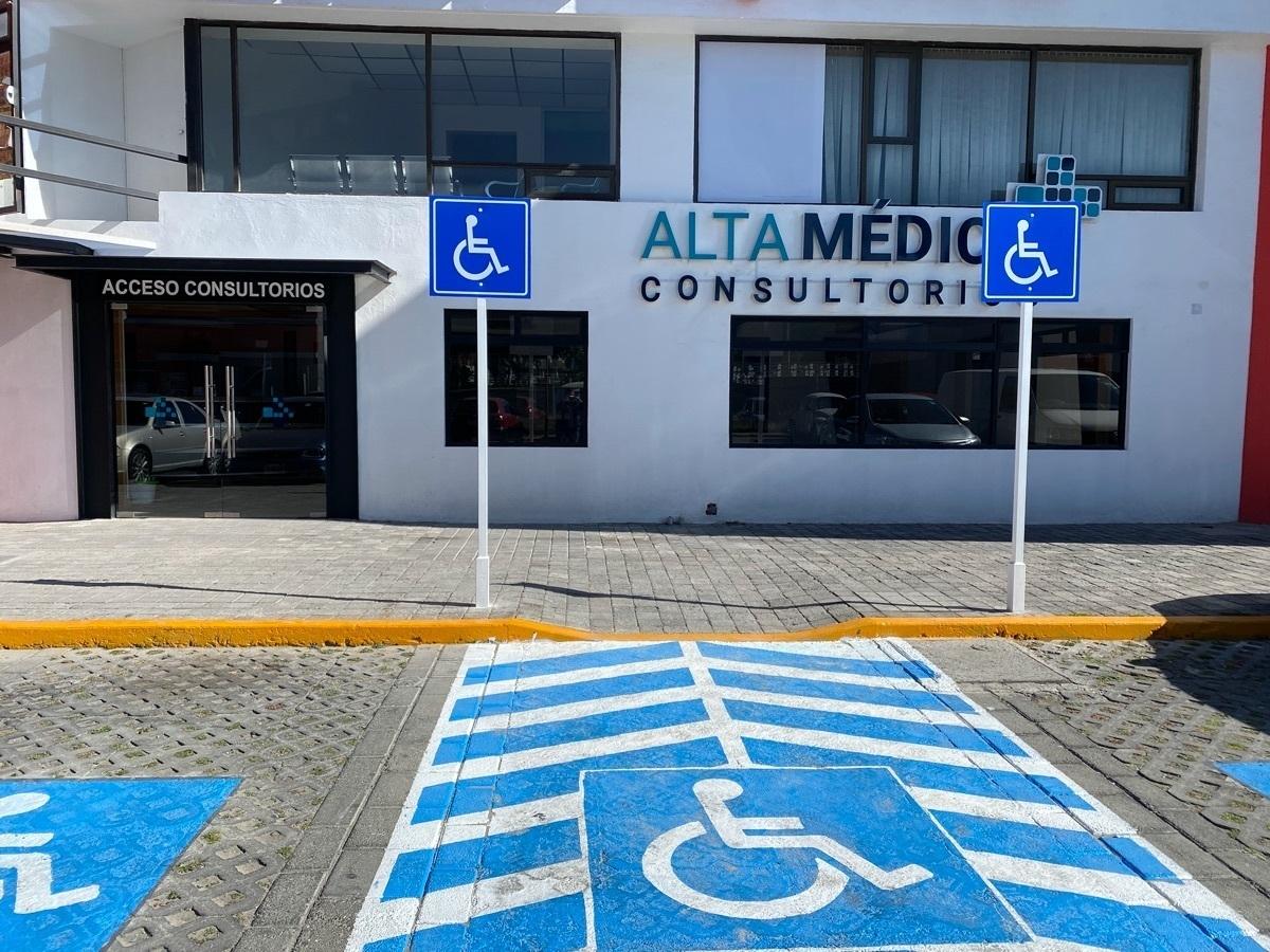 2 de 25: Consultorios en renta con estacionamiento y ubicación