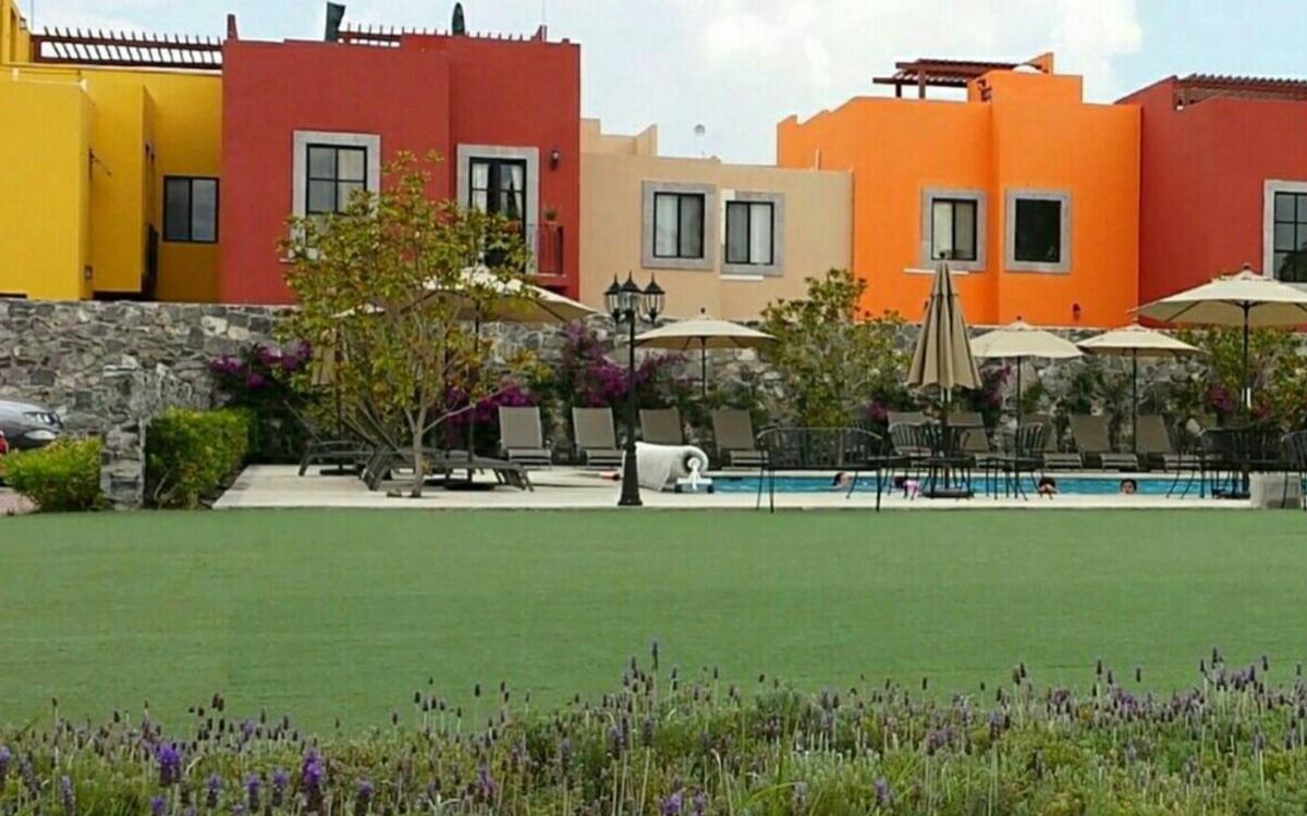 2 de 13: Áreas verdes Condominio