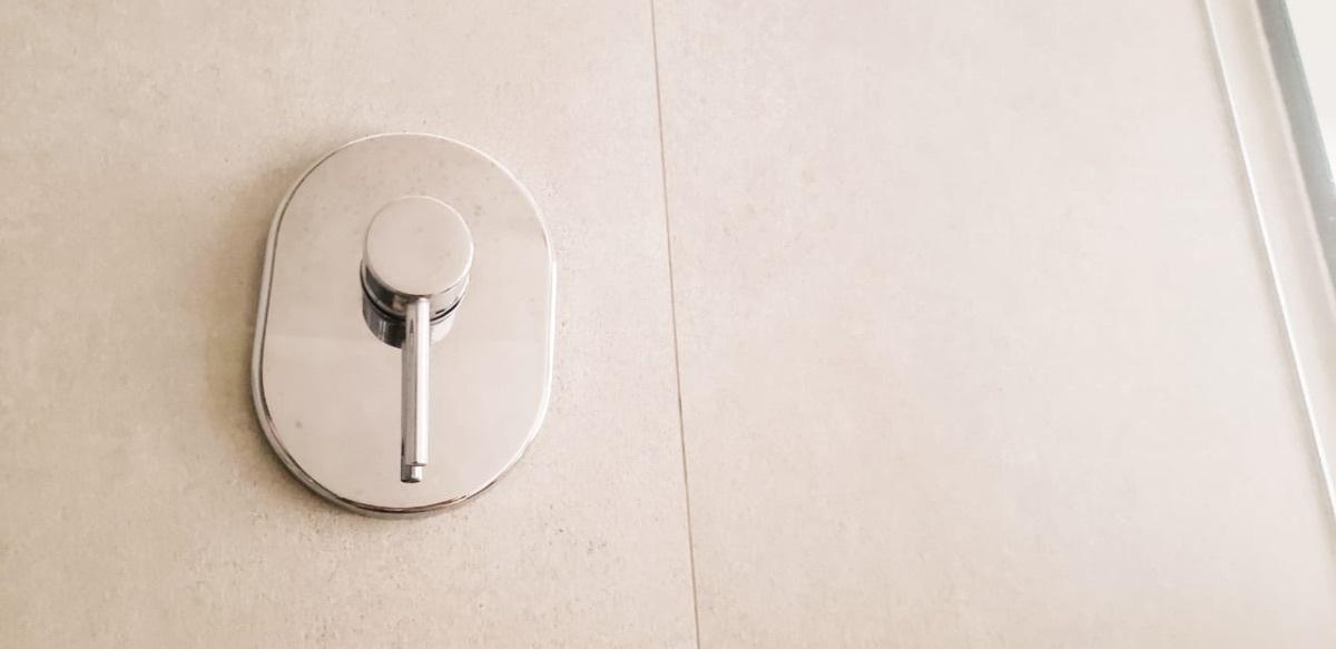 16 de 28: Monomandos en baños
