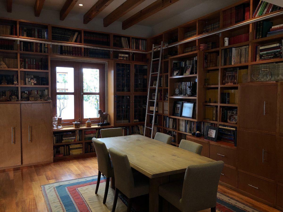 6 de 40: Biblioteca