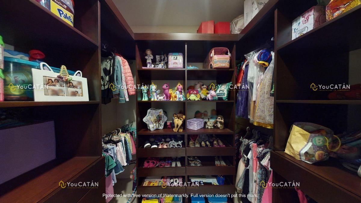 35 de 42: Closet Vestidor