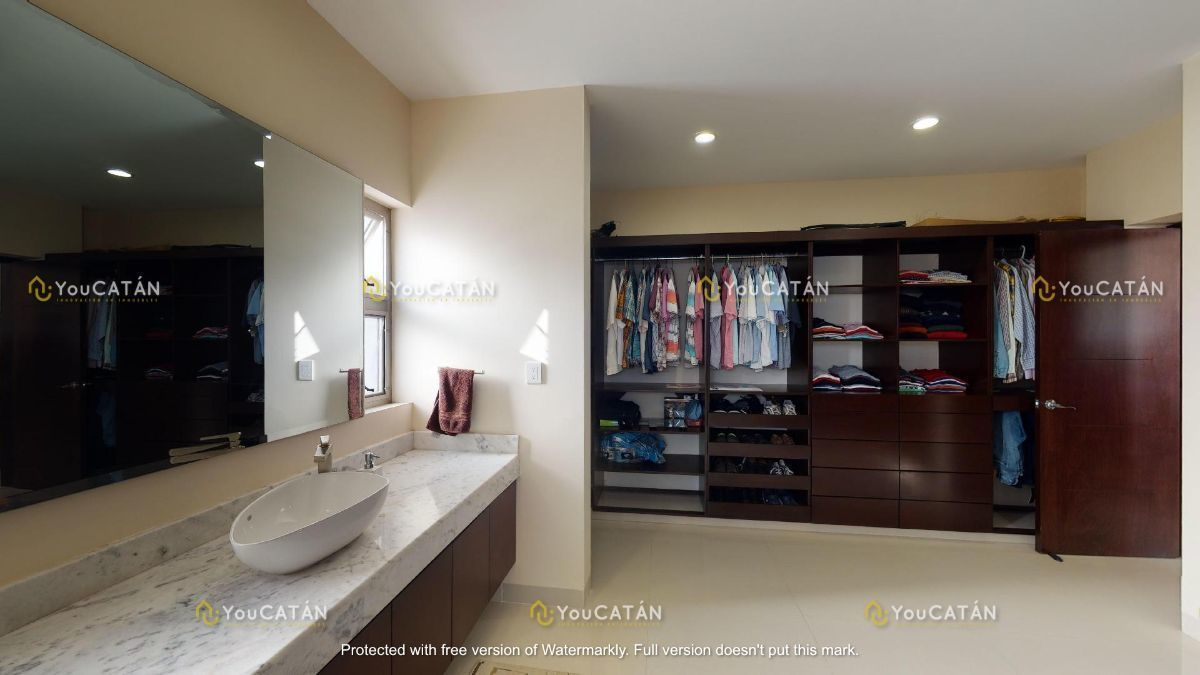 40 de 42: Baño Vestidor Principal