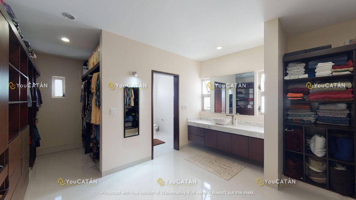 42 de 42: Baño Vestidor Principal