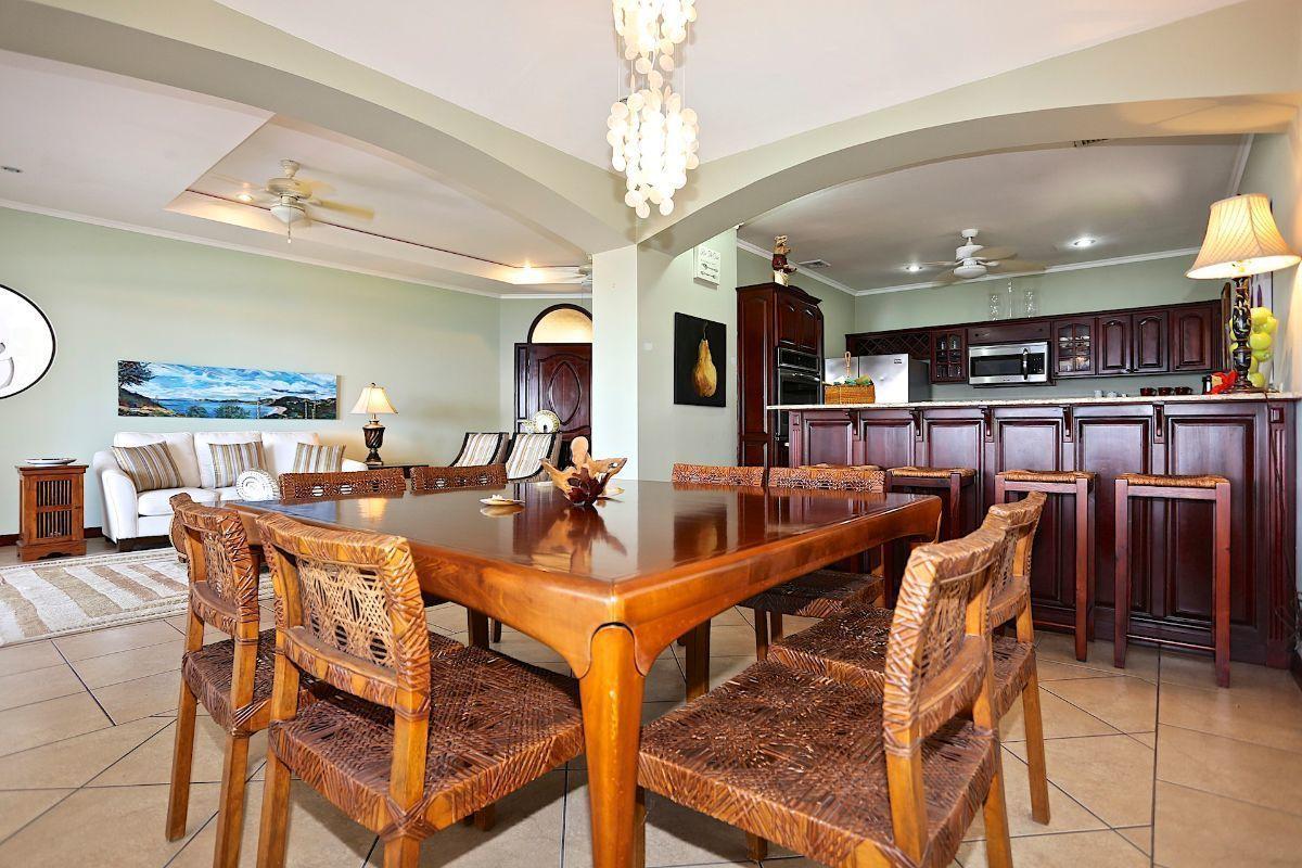 9 of 17: Dinning room