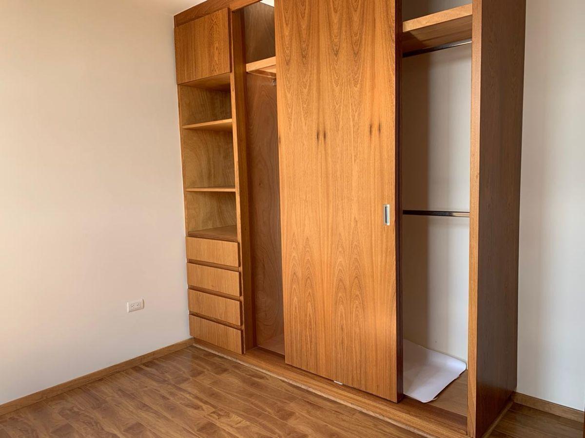 11 de 13: Carpintería de buena calidad y funcional.