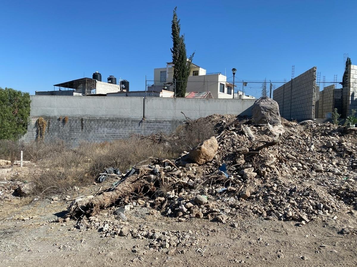 3 de 4: Terreno en venta a un costado de Colinas de Plata