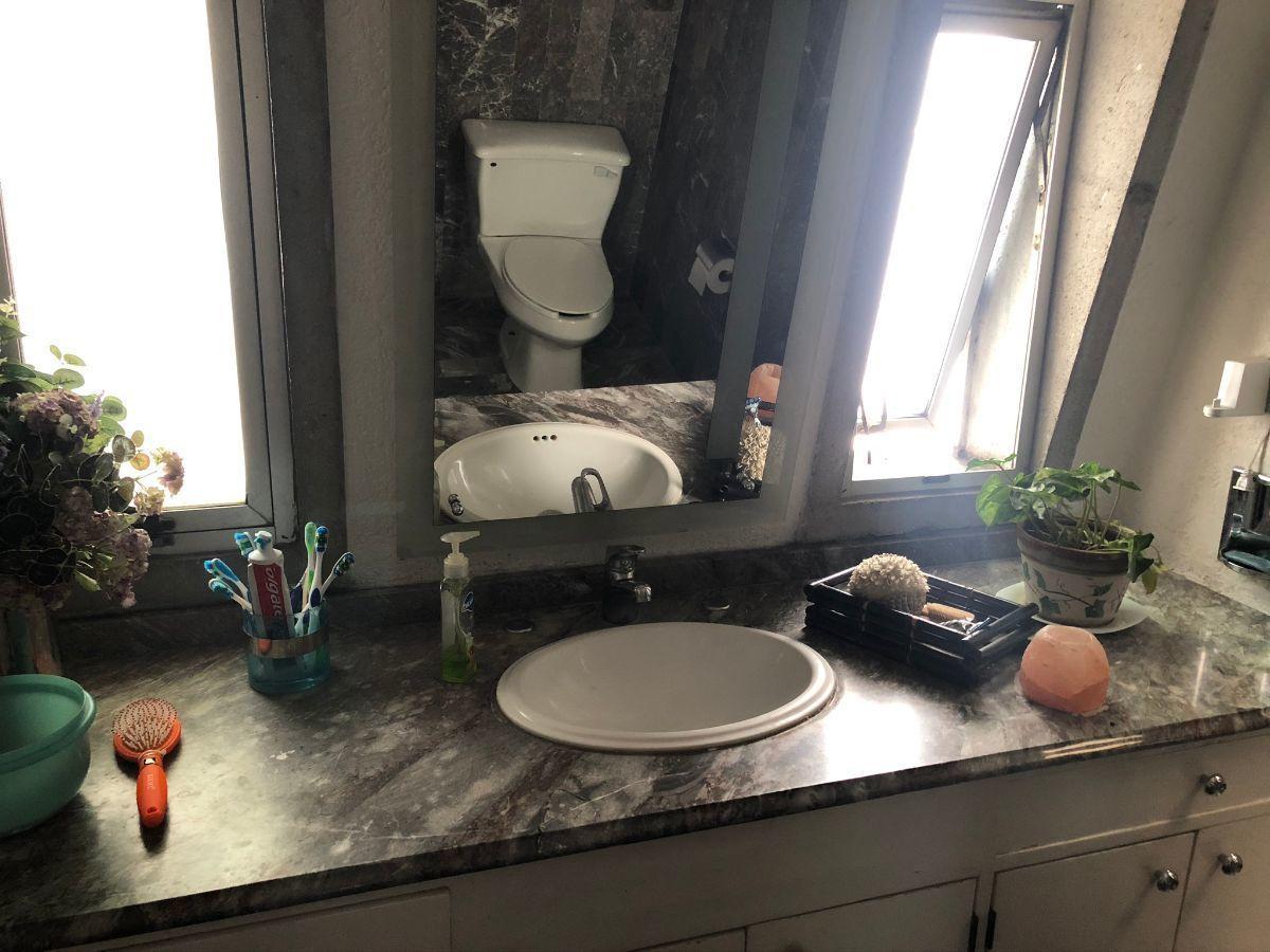 14 de 18: Baño 2do piso