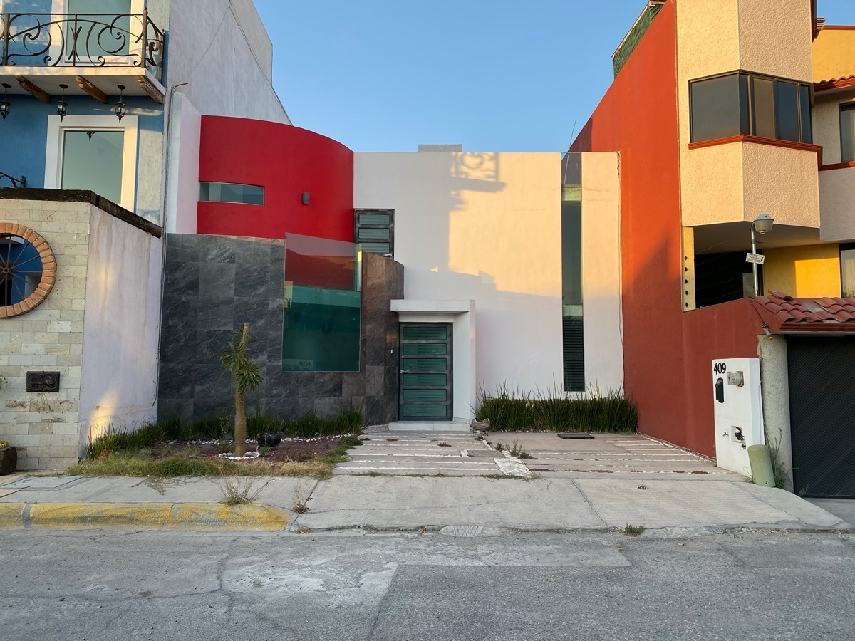 2 de 22: Renta Casa en La Moraleja Pachuca - Seguridad 24