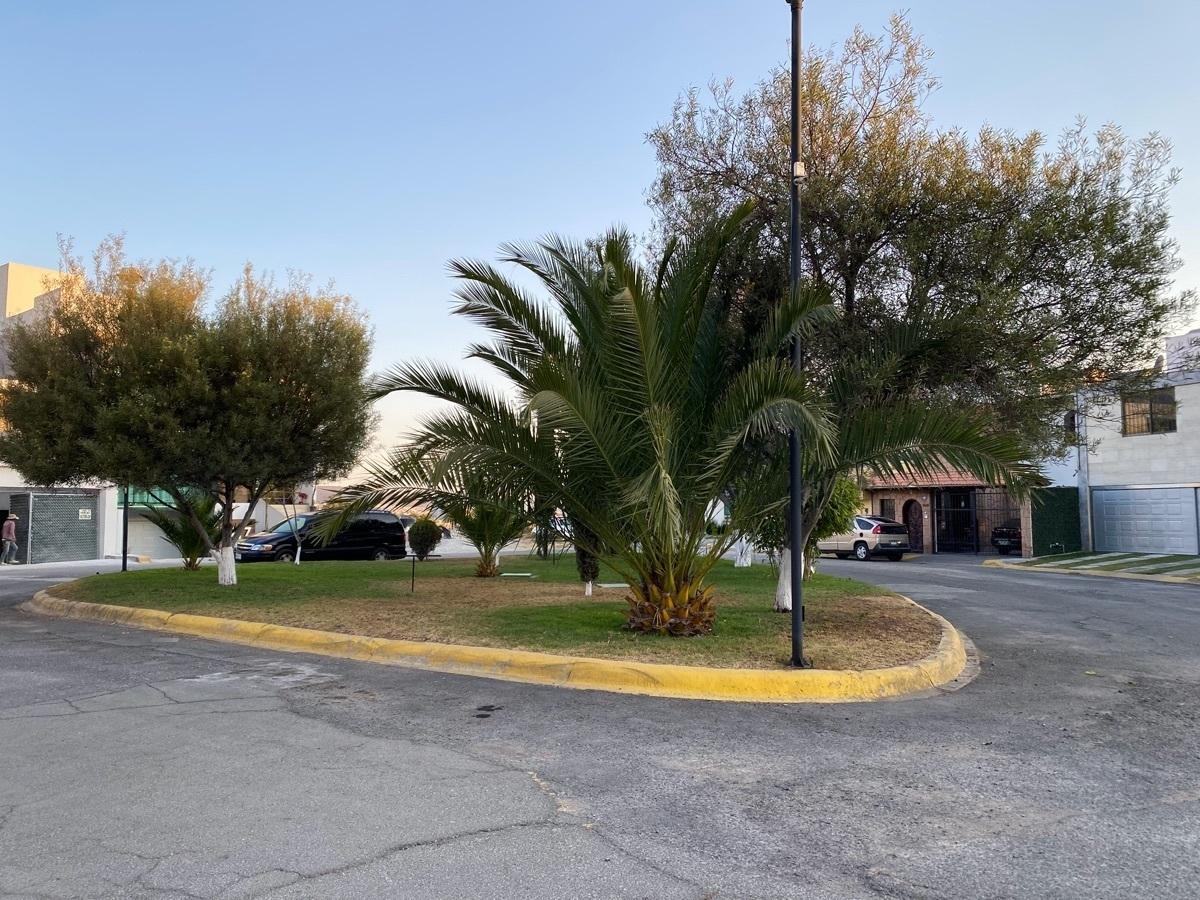 3 de 22: Renta Casa en La Moraleja Pachuca - frente áreas verdes