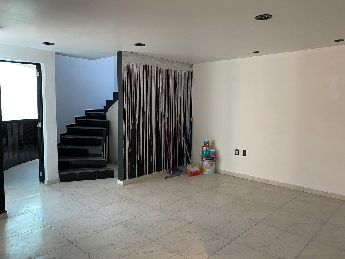 16 de 22: Se Venda bonita y cómoda casa en La Moraleja