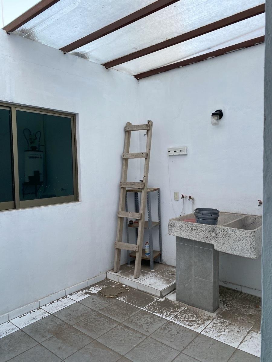 21 de 22: Se Venda bonita y cómoda casa en La Moraleja