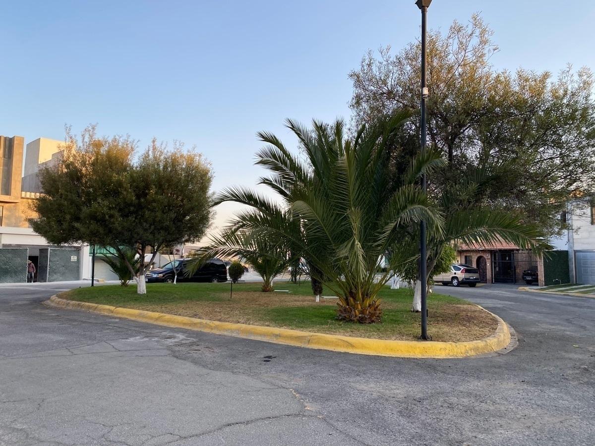 22 de 22: Se Venda bonita y cómoda casa en La Moraleja