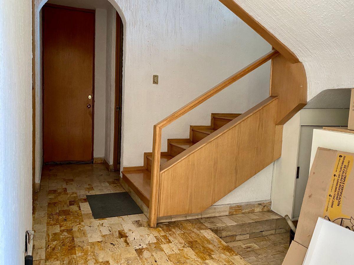5 de 16: Escaleras