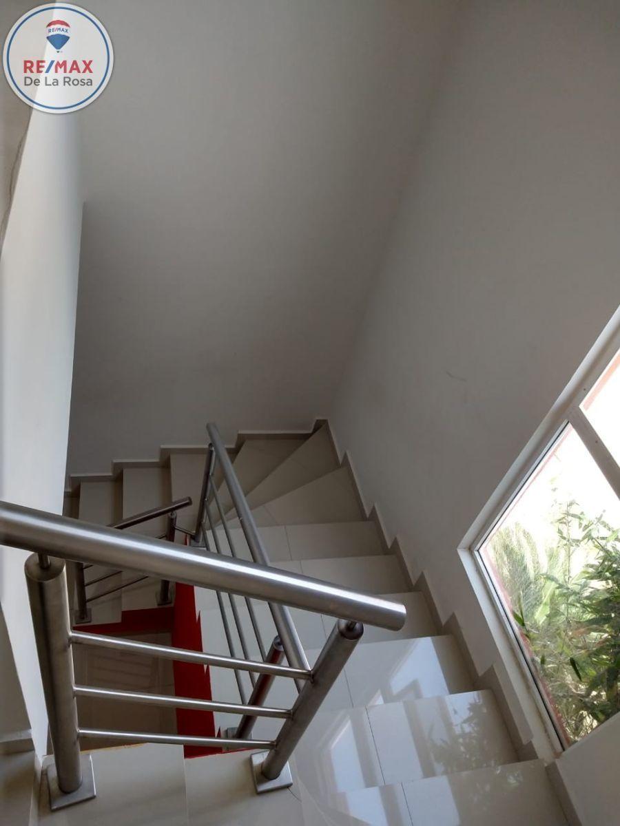 11 de 20: escaleras
