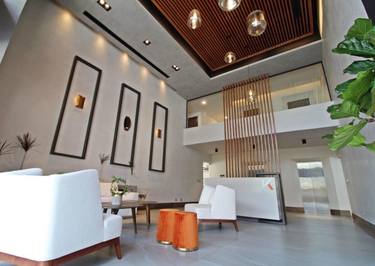 1 de 9: Lobby completamente amueblado y climatizado