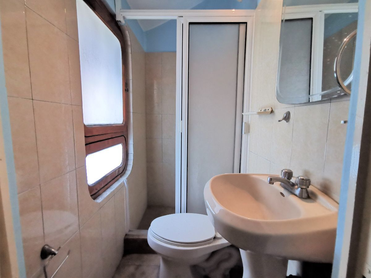 39 de 40: Baño completo 2o cuarto de servicio
