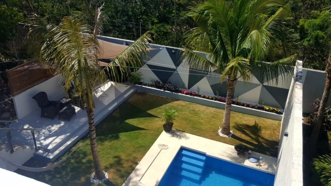 11 de 31: LUXURY-HOME-FOR-SALE-BEACH-COMMUNITY-PLAYA-DEL-CARMEN-MEXICO