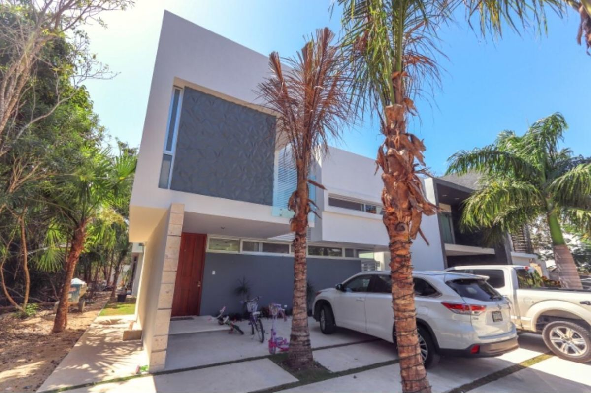 31 de 31: LUXURY-HOME-FOR-SALE-BEACH-COMMUNITY-PLAYA-DEL-CARMEN-MEXICO