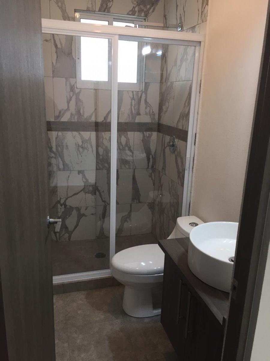 6 de 9: Buenos acabados en baños y ademas nuevos!!