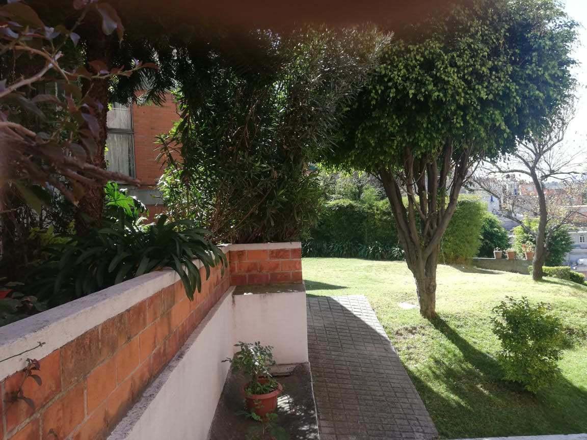 18 de 24: área de jardines