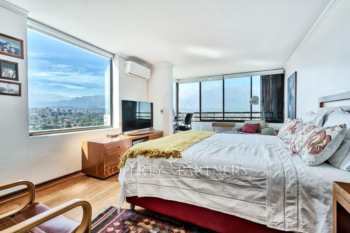 7 de 12: Dormitorio principal con inigualable vista