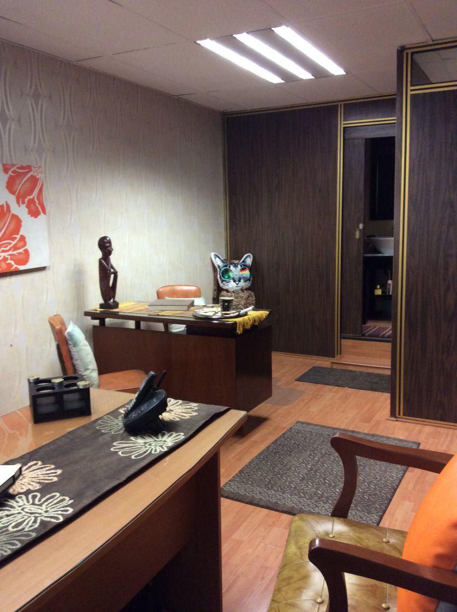 7 de 11: Vista oficina o consultorio1