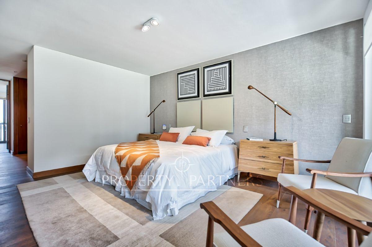 9 de 17: Dormitorio principal