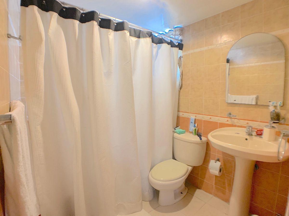 16 de 16: Todas las habitaciones con baño integrado.