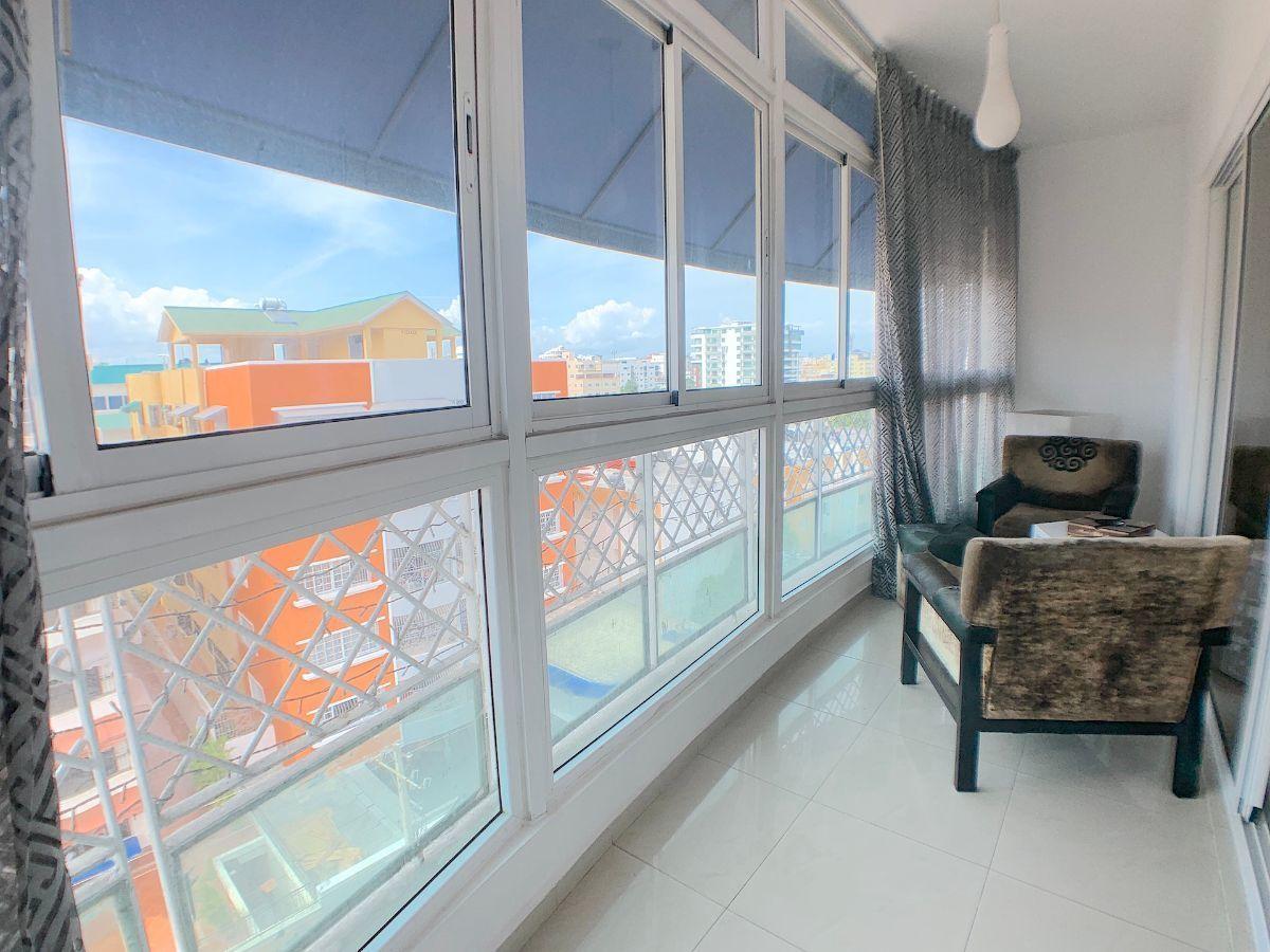 4 de 16: Balcón con vista. Piso alto.