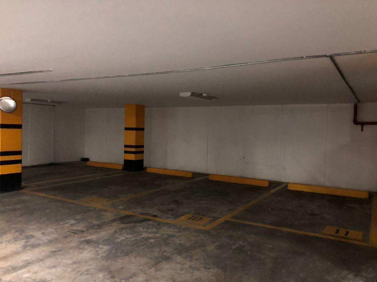 32 de 35: Lugares de estacionamiento