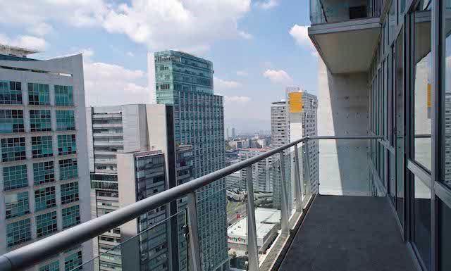 1 de 17: Balcón amplio