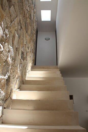 16 de 23: Escaleras
