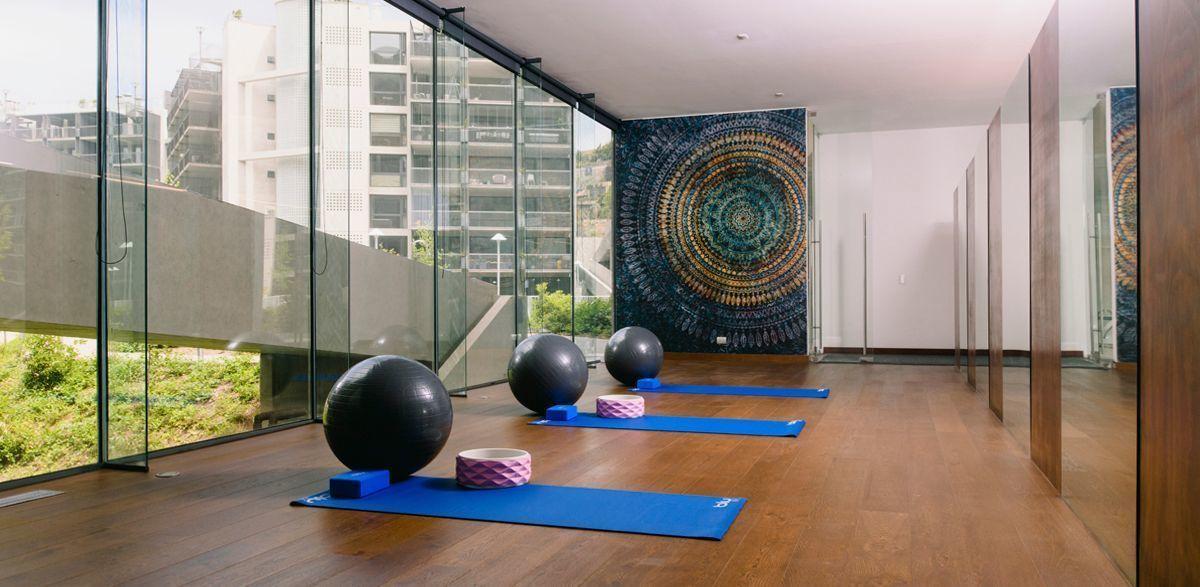 14 de 18: Gimnasio yoga