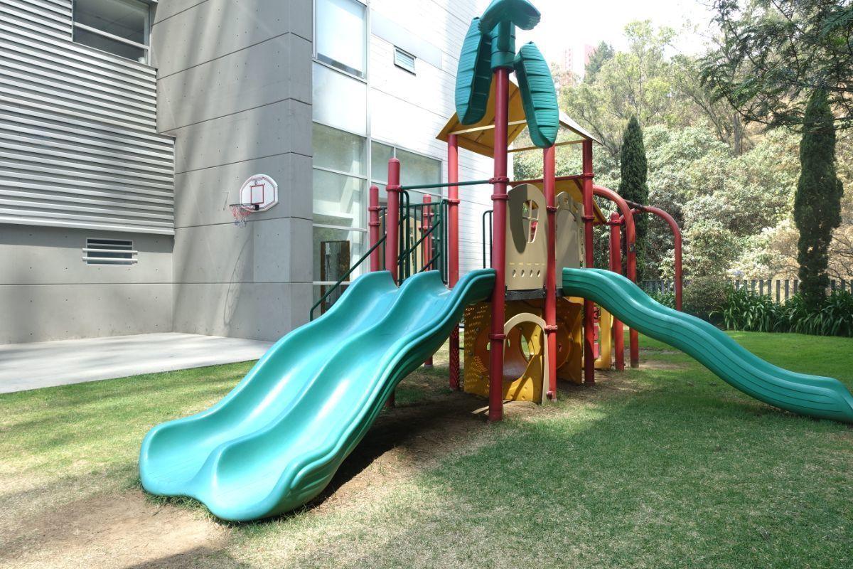 22 de 27: Area de juegos al aire libre