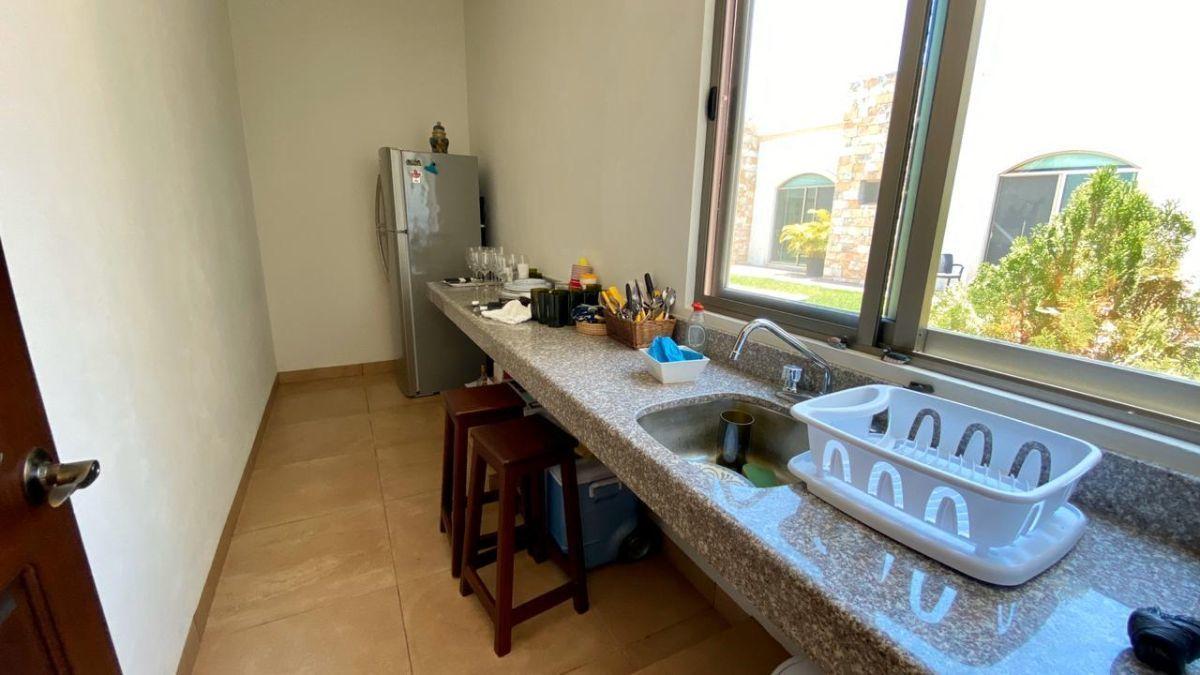 30 de 32: Cocineta de departamento/suite