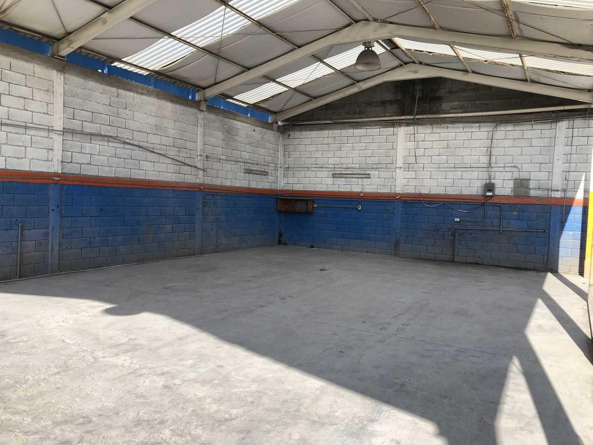 6 de 31: 144 m2 de área techada para taller con iluminación