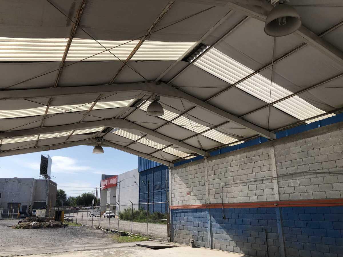 7 de 31: Área con techo de fibra de vidrio como aislante térmico