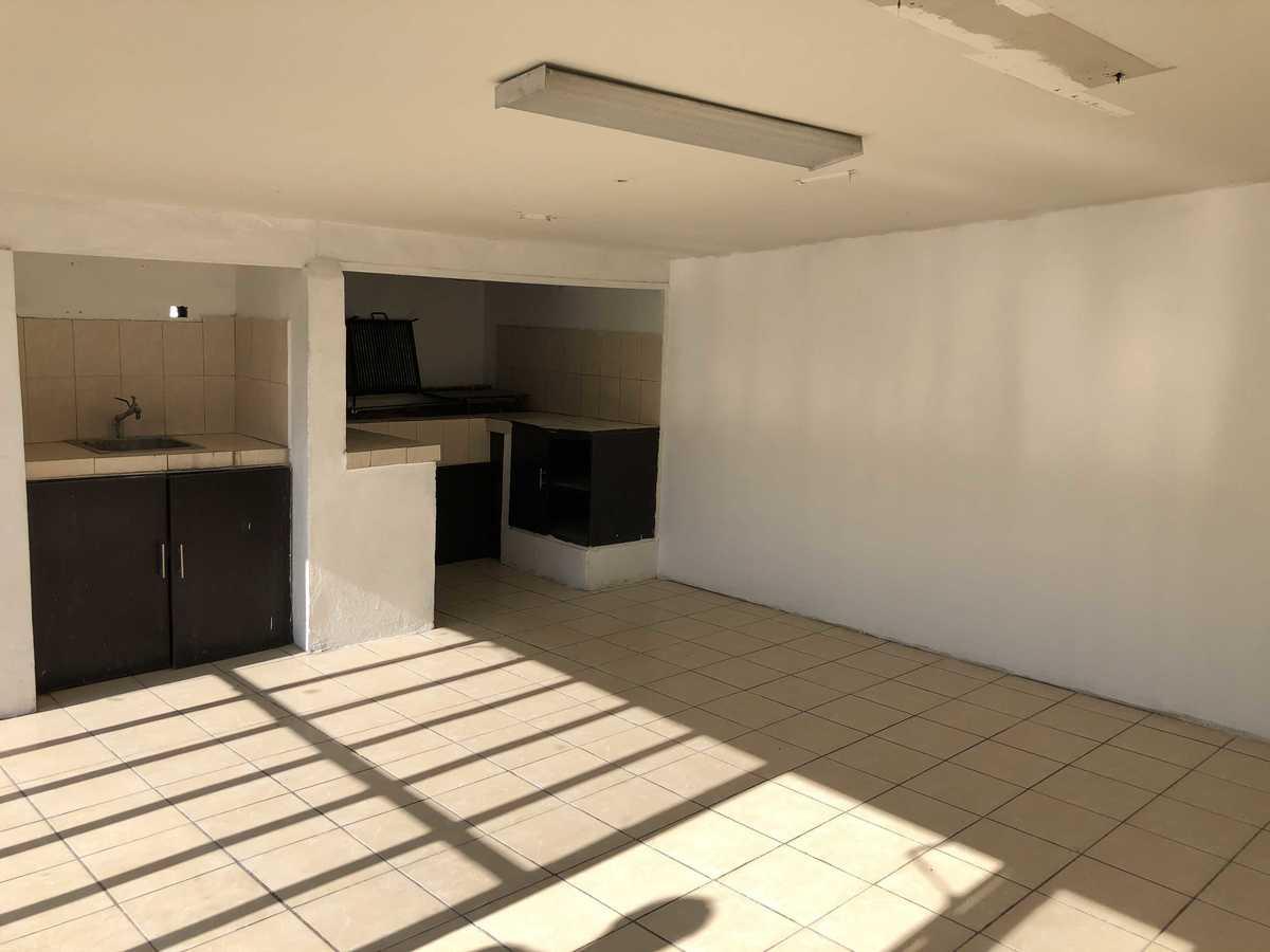 24 de 31: 55 m2 de área de cocina/comedor  c/asador (puede ampliarse)