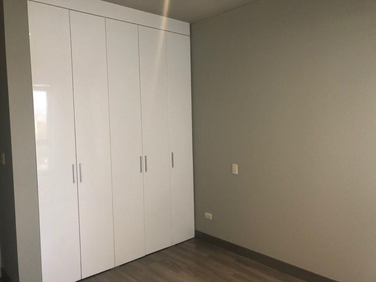 15 de 17: Closet segundo dormitorio
